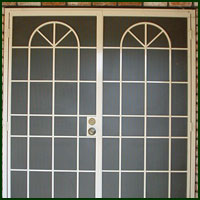 Suisun City, Iron Doors